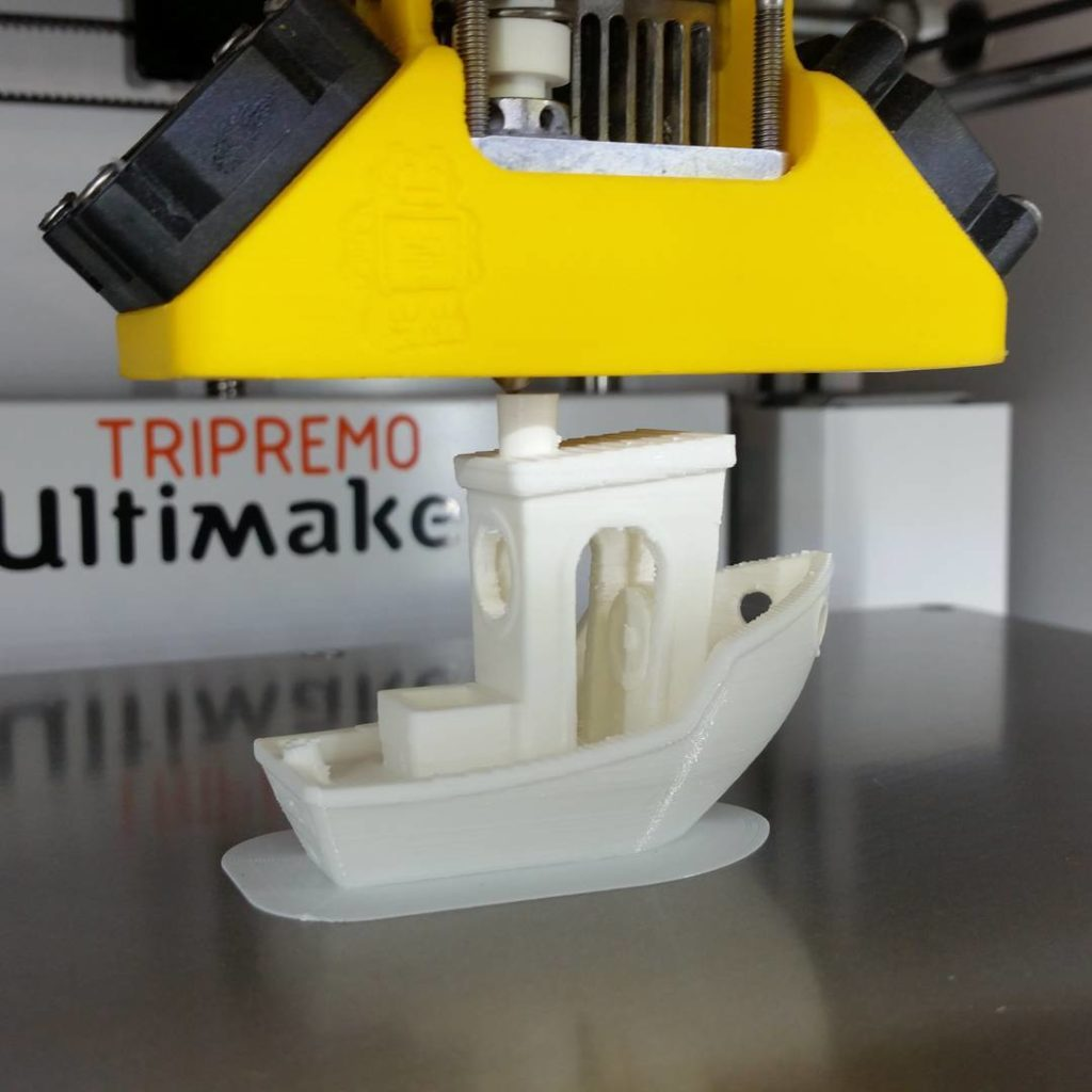 test 3dprinting by ultimaker mit simplify3d Frs erste zufrieden mithellip